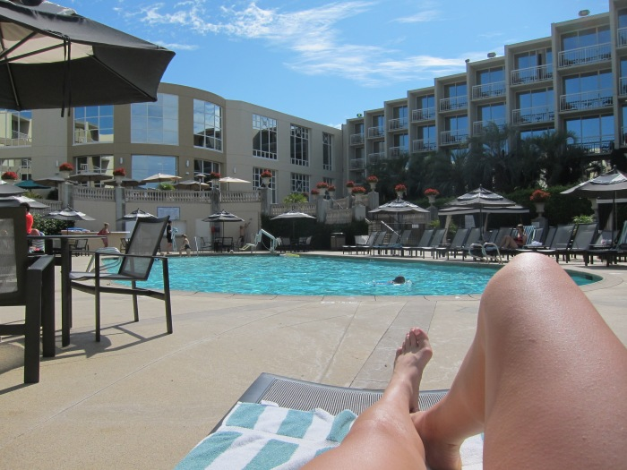 2nd day in SD and had to make use of the pool at the hotel before we checked out. Got some tanning in as well.