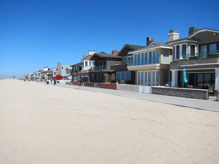 Newport beach is beautiful! Absolutely loved it here and the surrounding houses nearby!
